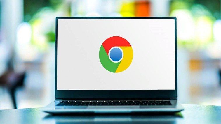 Google'ın bir süredir test ettiği geriye dönük önbellek özelliği, masaüstü kullanıcıları için Chrome 92 ile varsayılan olarak sunulmaya başlanacak.