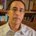 نضال قسوم, دكتور جزائري وباحث في فيزياء الفلك، أستاذ جامعي، كاتب، مفكّر،