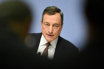 Covid, allarme di Draghi: Agire con urgenza, imprese a rischio