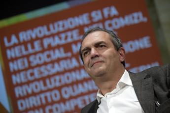 De Magistris vs De Luca: Ripreso il lanciafiamme, sue ordinanze punitive