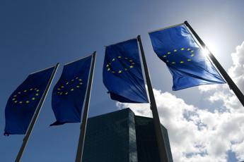 Bce lascia tassi fermi