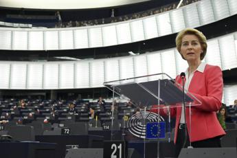 Von der Leyen: Giusto che Ue chieda scusa all'Italia