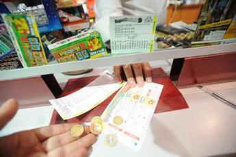 Superenalotto, jackpot supera i 27 milioni