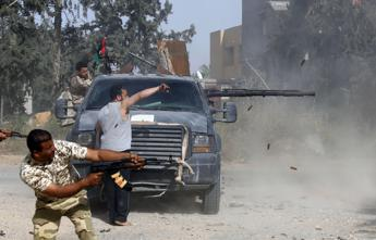 Libia, governo Serraj si ritira da colloqui Ginevra