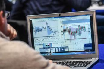 Borsa: Milano azzera le perdite, rally di Nexi