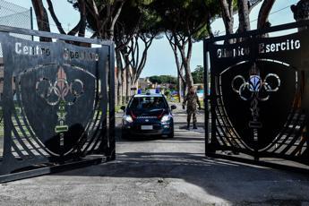 Coronavirus, 19 italiani lasciano la Cecchignola