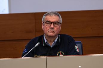 Coronavirus, altri 196 morti in Italia