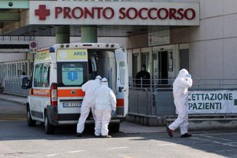 Coronavirus, in Italia oltre 17mila morti: 604 in un giorno