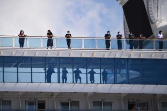 Coronavirus, Coral Princess a Miami con due morti a bordo