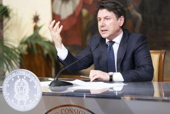 Conte: Misure fino al 3 maggio. In Europa lottiamo per eurobond