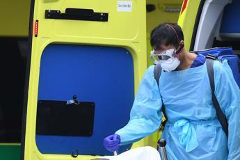Covid Inghilterra, altri 32.725 casi e 570 morti