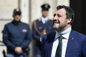 Salvini contro Ricciardi: Che il governo lo cacci!