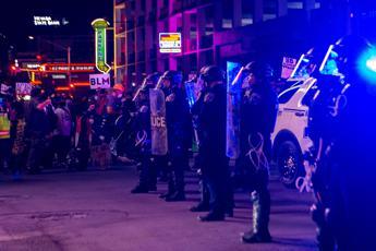 Morte Floyd, le proteste non si fermano