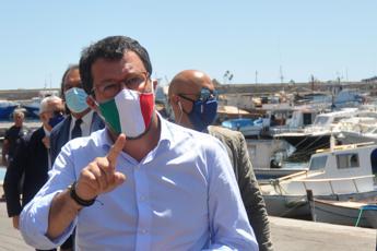 Salvini: Stati generali? Chiacchiere, Conte paghi la cassa integrazione