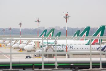 Alitalia, governo al lavoro. Da prossima settimana confronto su newco