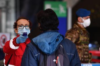 Coronavirus, positivo viaggia in treno: fermato a Termini
