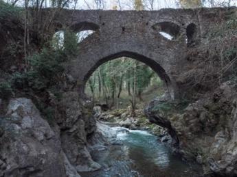 Ponte misterioso nelle Gole del Noce, esperti al lavoro