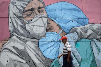 Coronavirus, nel mondo quasi un milione di morti