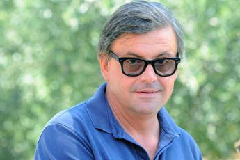 Calenda: Luca Bizzarri è stato il mio social media manager per 24 ore...