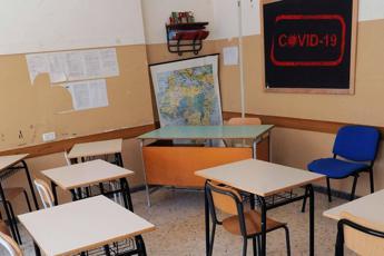 Campania, stop scuole: respinto ricorso contro ordinanza De Luca