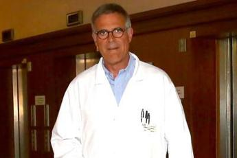 Zangrillo: Farò vaccino con i colleghi, niente passerelle