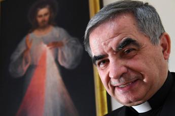 Becciu, Papa ha contestato uso di 700 mila euro in favore dei fratelli