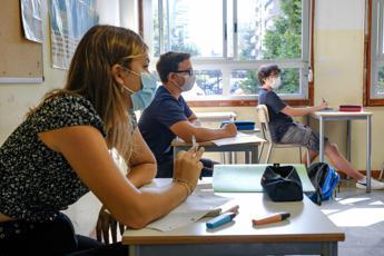 Covid, Pregliasco: Aumento casi primo segnale apertura scuole