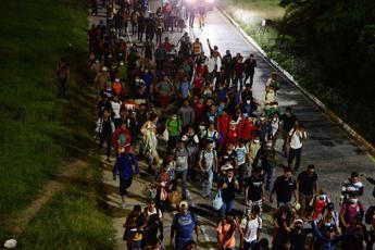 Parte da Honduras nuova carovana di migranti