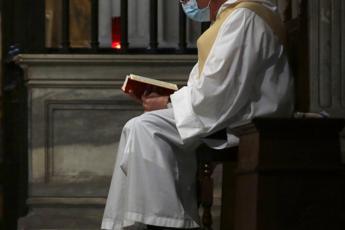 Covid, 123 preti morti in Italia