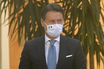 Conte: Per contenere pandemia aspettare primavera