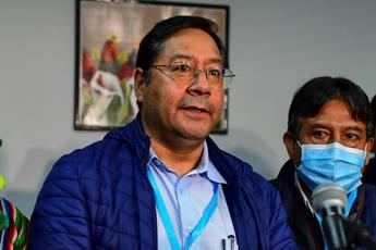 Bolivia, candidato socialista Arce verso la vittoria