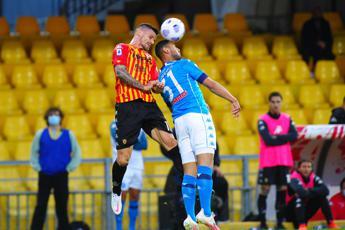 Napoli rimonta e vince il 'derby Insigne'