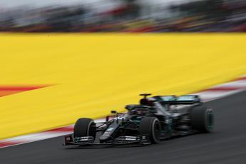 Gp Portogallo, Hamilton trionfa: Leclerc quarto