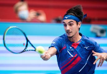 Sonego show contro Djokovic: 6-2, 6-1 al n.1 del mondo