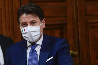 Vaccino Covid, Conte: Prime dosi messaggio di fiducia
