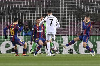 Champions, impresa Juve: 3-0 al Barca e primo posto nel girone