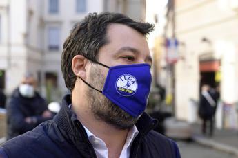 Pescatori sequestrati, Salvini: Operazioni si annunciano al rientro