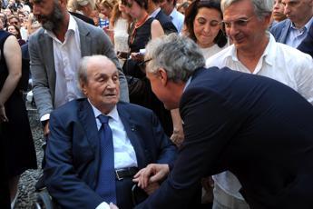 Morto a 89 anni il designer Ernesto Gismondi, fondò Artemide