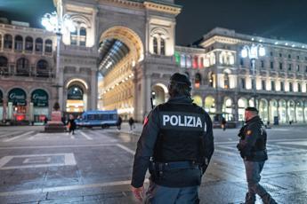 Milano, sparatoria nella notte: due feriti