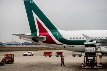 Alitalia, sì a prestito da 300 milioni