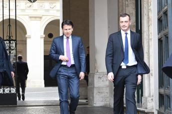 Governo, botta e risposta Casalino-Anzaldi