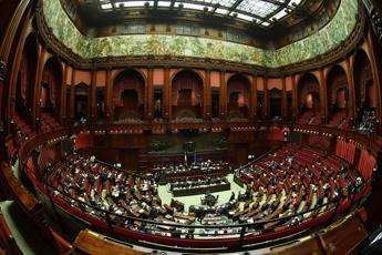 Manovra, governo pone la fiducia alla Camera