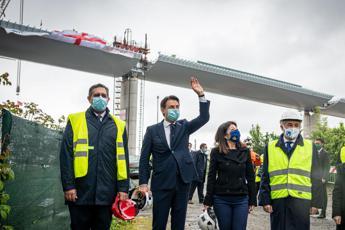 Nuovo ponte di Genova, Conte: E' l'Italia che sa rialzarsi