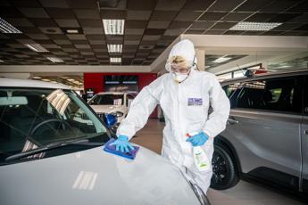 Auto, crollo record delle immatricolazioni in Europa