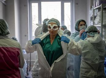 Coronavirus, a third of Russian doctors were asked to lie about cases