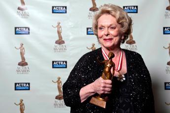 E' morta l'attrice Shirley Douglas