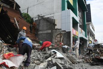 Filippine, morti e feriti per sisma