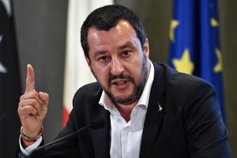 Salvini: Vogliono trasformare scuole in un lager