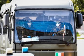 Virus, rimpatriati 56 italiani