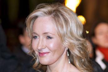 'Strega', 'Cagna': JK Rowling sotto attacco